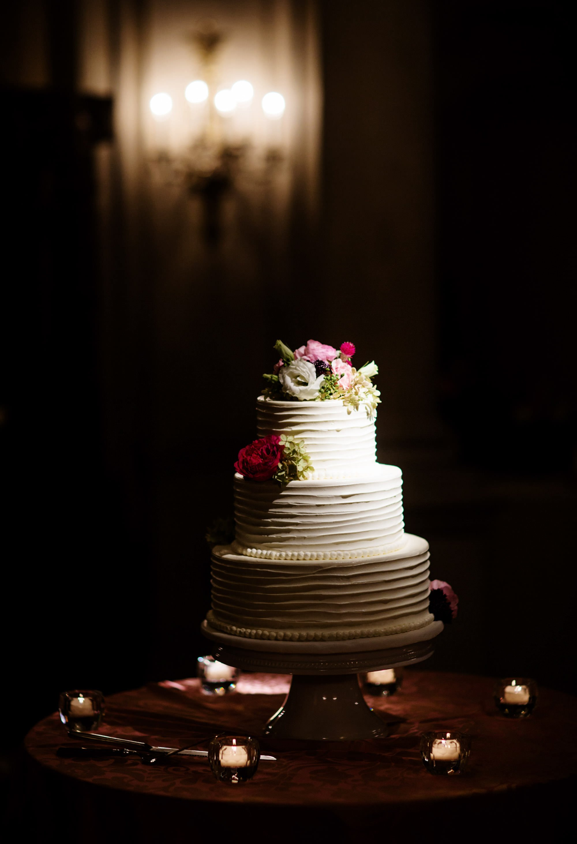 A detail of the wedding cake.