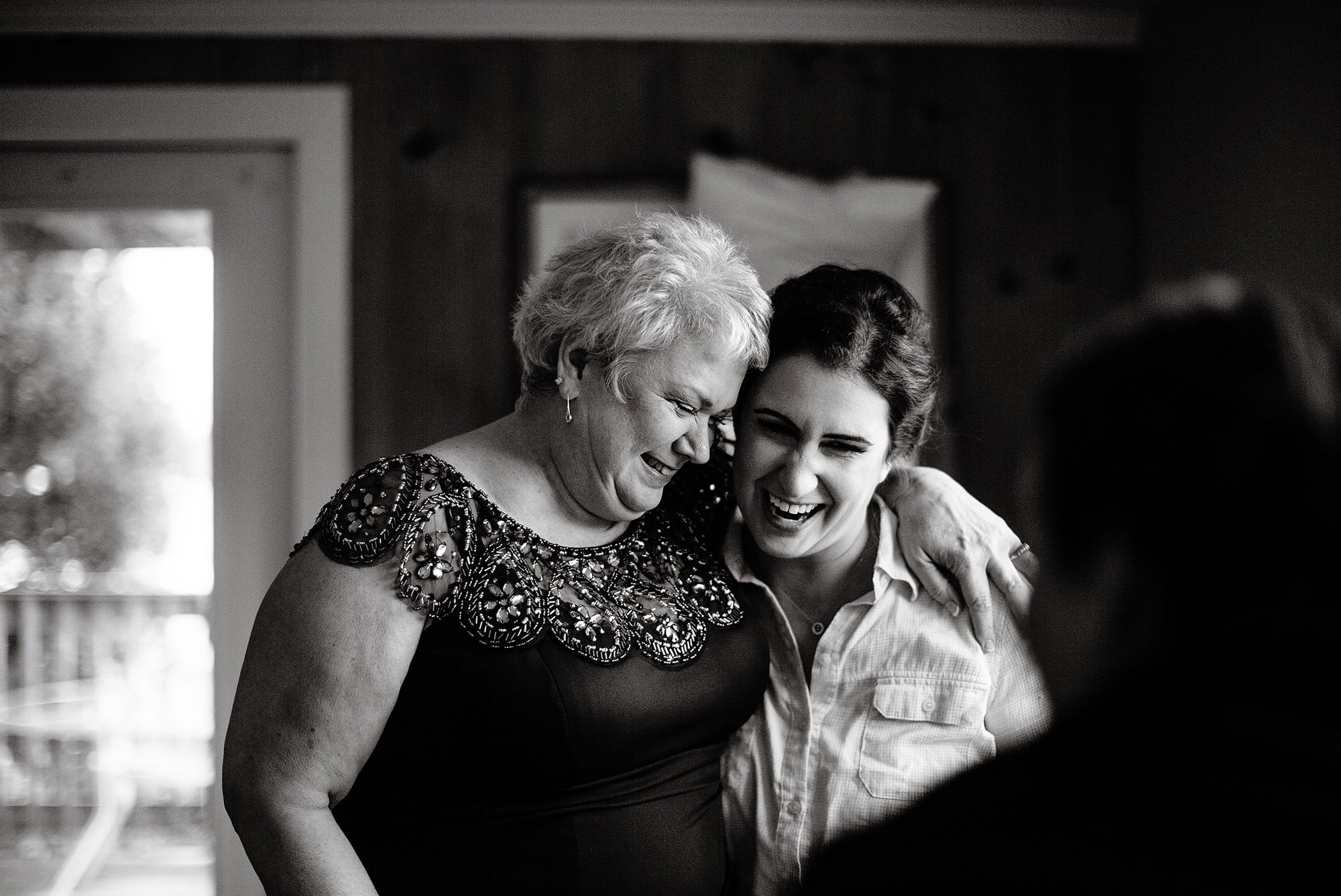 The bride hugs her mom prior to the wedding ceremony at Pelham House Resort.