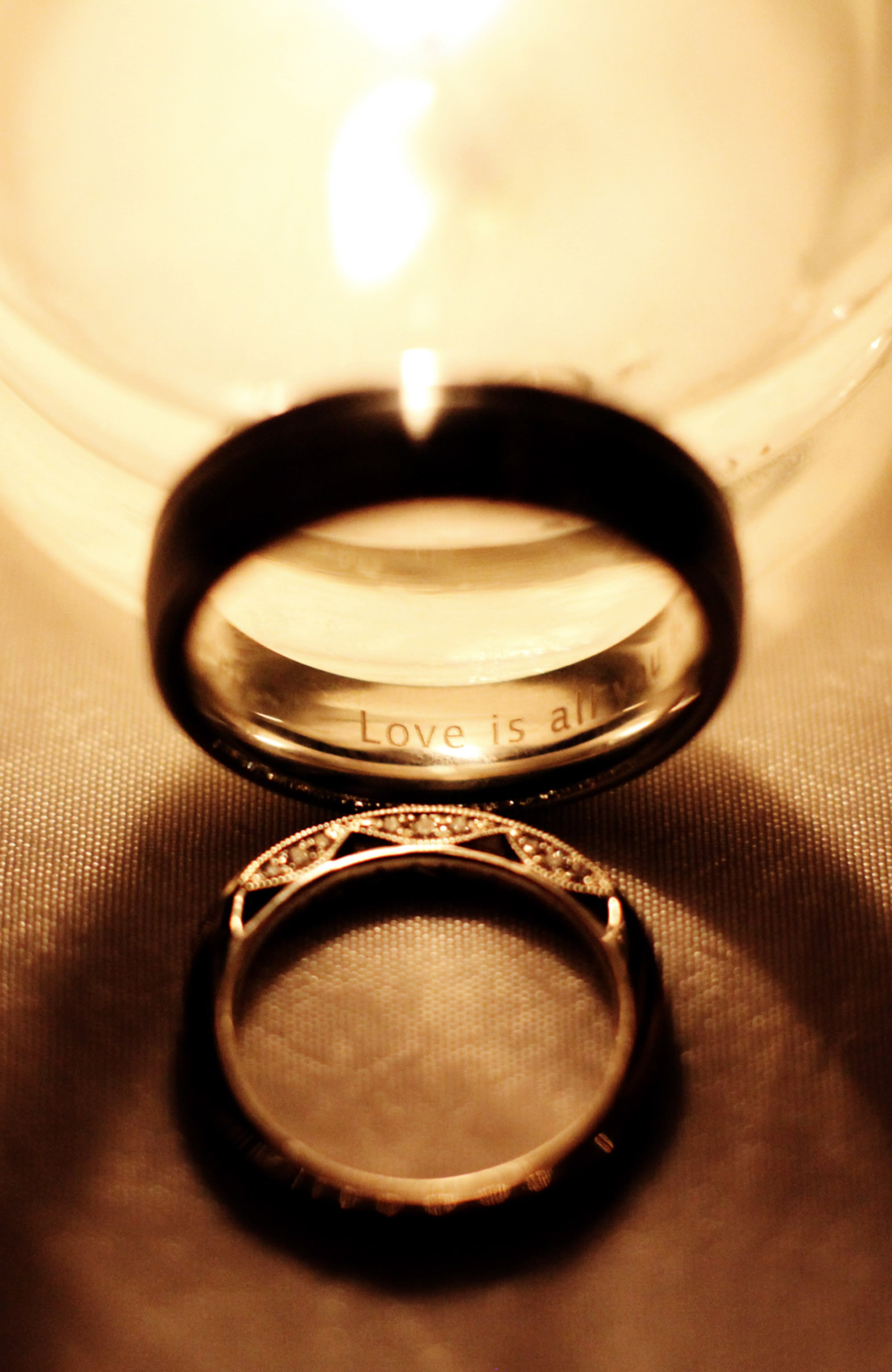 A detail of the couple's rings.