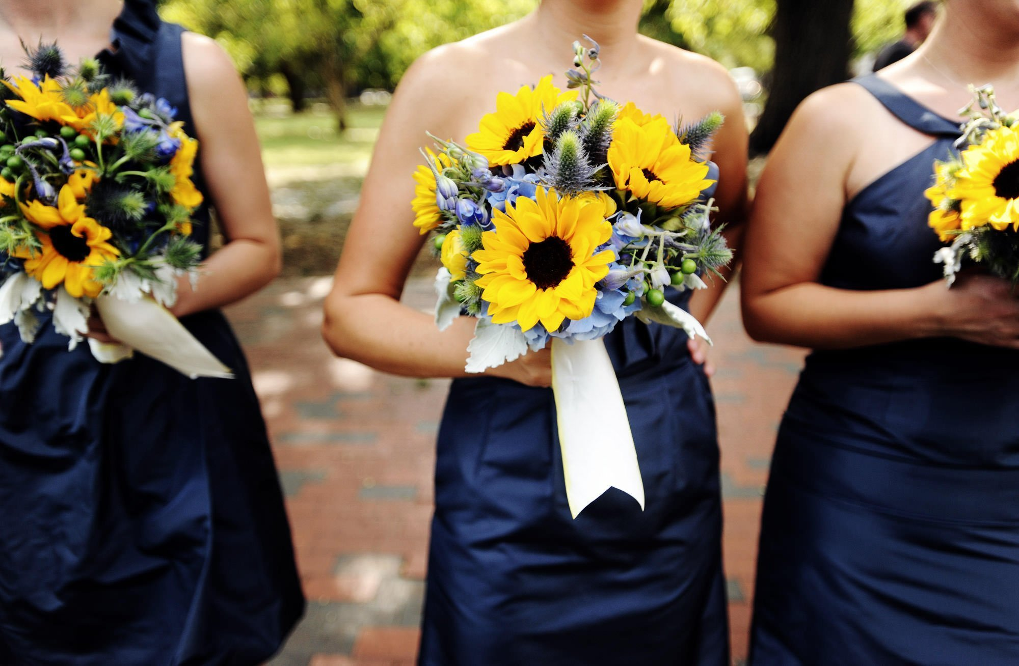 A detail of the bridesmaids bouquets.