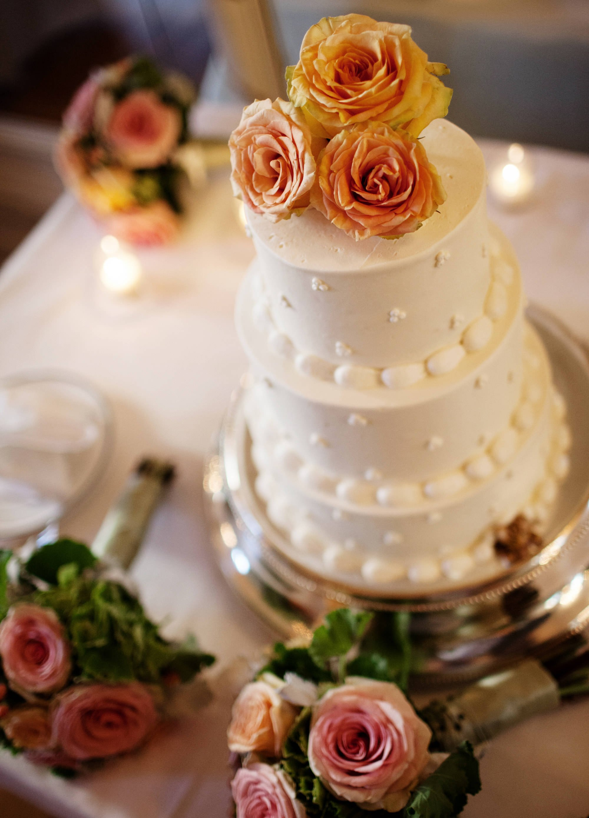 A detail of the wedding cake at Sulgrave Club.